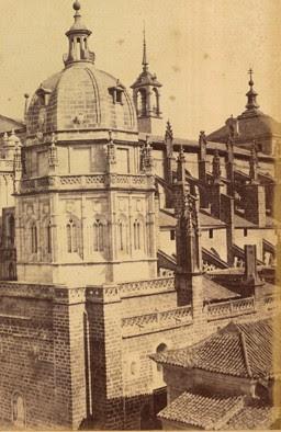 Esquina de la actual Audiencia frente a la Catedral en el siglo XIX. Foto de Jean Laurent