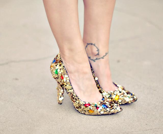 Dolce & Gabbana - Süslenmiş ayakkabı diy + altın payetler ve mücevher dolce ve gabbana ayakkabı diy pompaları - DIY aşk maegan