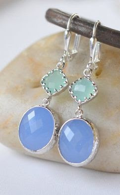 periwinkle + mint. such pretty colors together!