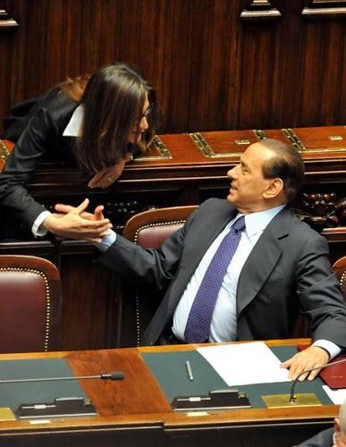 5042518616 f2af06de33 Silvio, la Banca Arner e quegli affari offshore tra Lugano e Antigua