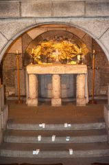 Richard II altar in the crypt