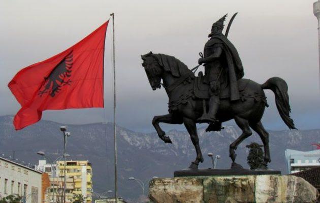 Διχασμένη η Αλβανία μετά τη μουσουλμανική προσβολή στο άγαλμα του Γεωργίου Καστριώτη