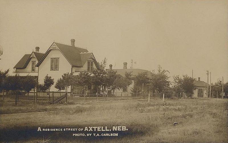 File:A Residence Street of Axtell, NE.jpg