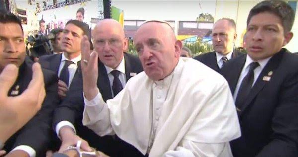 Image result for papa francisco enojado