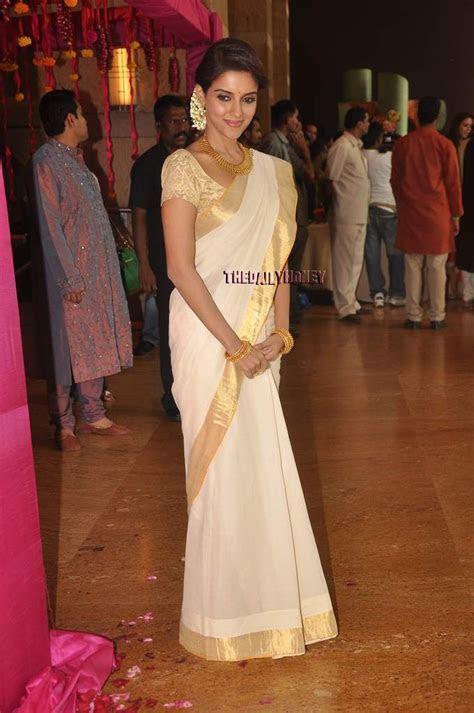 Asin at Genelia and Riteish's wedding   I love her sari