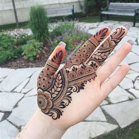 dimple queen instagram mehndi design