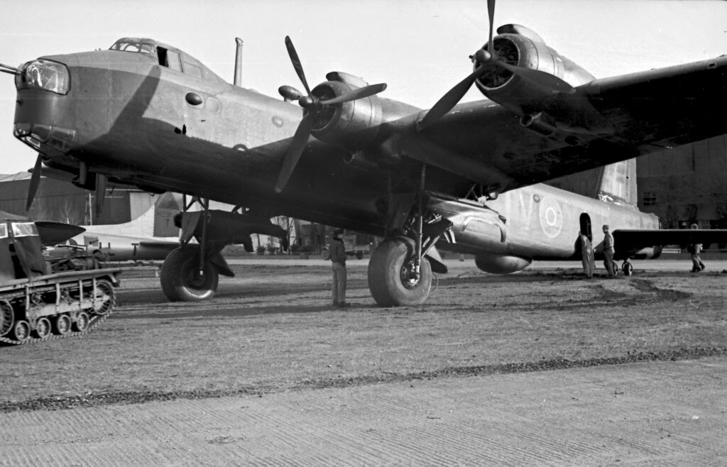 Short Stirling Bomber 06
