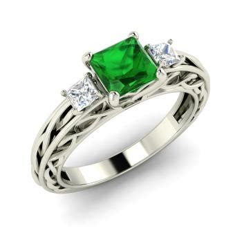 Bisque Ring with Princess cut Emerald, VS Diamond   1.0
