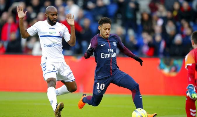 Neymar sigue en el foco de las noticias / Foto AP