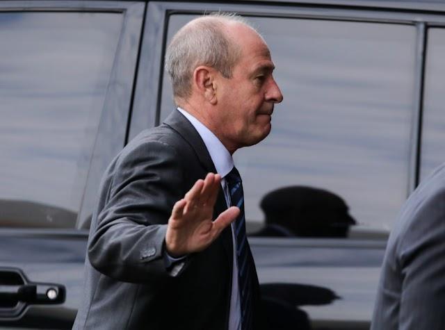 Ministro da Defesa deixa cargo horas depois de Ernesto Araújo