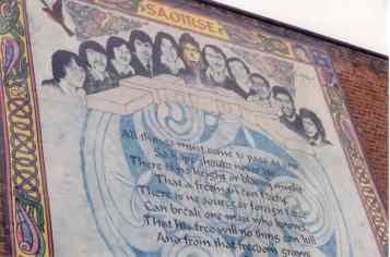 Mural en Falls Road en homenaje a los diez huelguistas de hambre muertos en 1981