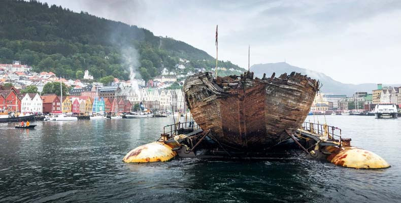 http://eversafemarine.net/wp-content/uploads/2020/06/Floating-barge-carries-Maud-to-home.jpg