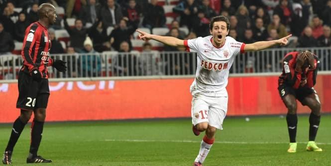Silva a bénéficié d'un cadeau de Gomis pour marquer contre Nice. (L'Equipe)