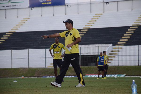 Moacir Júnior sabe da importância de conquistar pontos fora de casa e repete time contra o Icasa