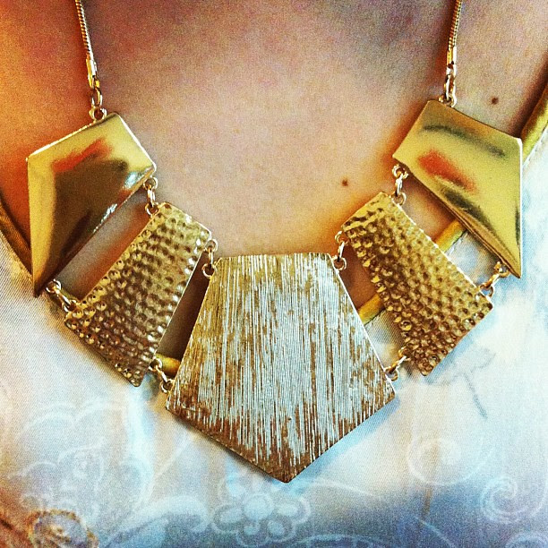 Isn't this piece of statement necklace gorgeous? #forever21 #accessories #fashion #ootd #outfit #outfitoftheday #lotd #lookoftheday #gold #necklace #clozette