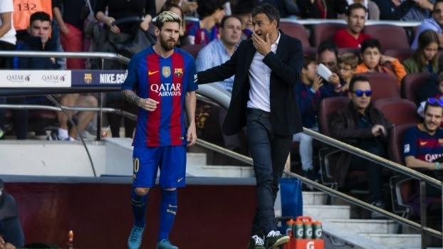 Luis Enrique e Lionel Messi, junto no Barcelona durante a última temporada