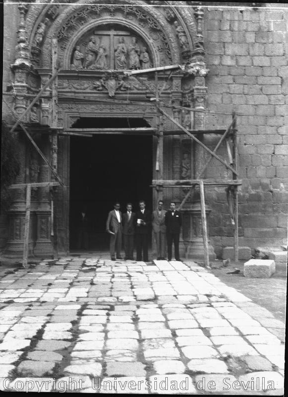 Museo de Santa Cruz a principios del siglo XX. Fototeca de la Universidad de Sevilla. Tomada el 14-6-32