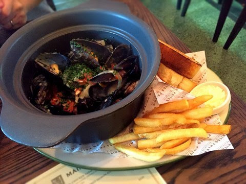 Frites House Mussels - 銅鑼灣的FRITES Belgium on Tap