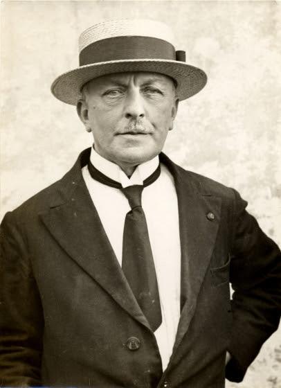 Portrait of George Minne, Date unknown, Negatievenarchief uitgeverij Manteau