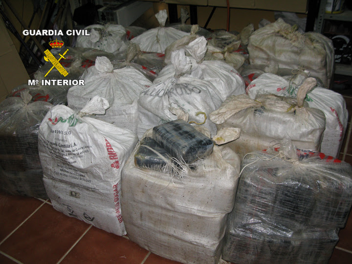 La Guardia Civil interviene 590 kilos de cocaína en un velero