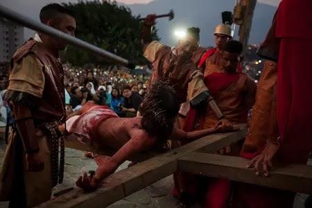 Los actores del Vía Crucis de Petare son personas residentes del lugar