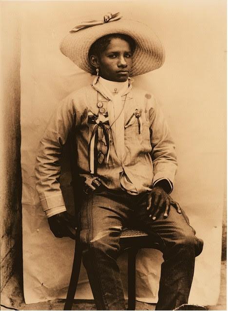 Colonel Carmen Amelia Robles Avila, an Afro Mexican woman who was a leader  in the Mexican Revolution. She fought alongside Emiliano Zapata. a4e752ea6e4d