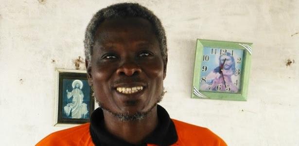 O líder espiritual Kouayou Kouayou promove o controle da natalidade em sua comunidae