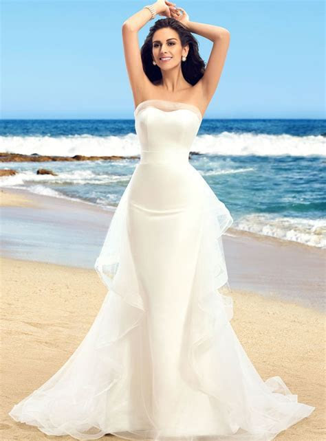 Best 25  Hourglass wedding dress ideas on Pinterest