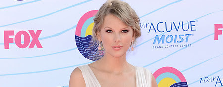 Taylor Swift at the Teen Choice Awards (Jason Merritt/Getty Images)