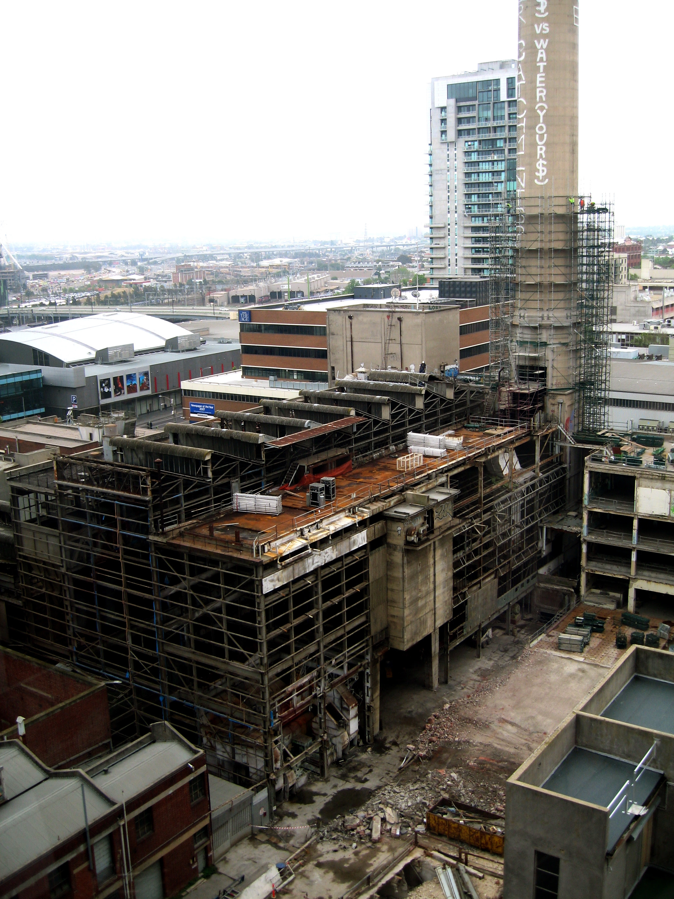 http://upload.wikimedia.org/wikipedia/commons/6/65/Spencer_Street_Power_Station_demolition2.jpg