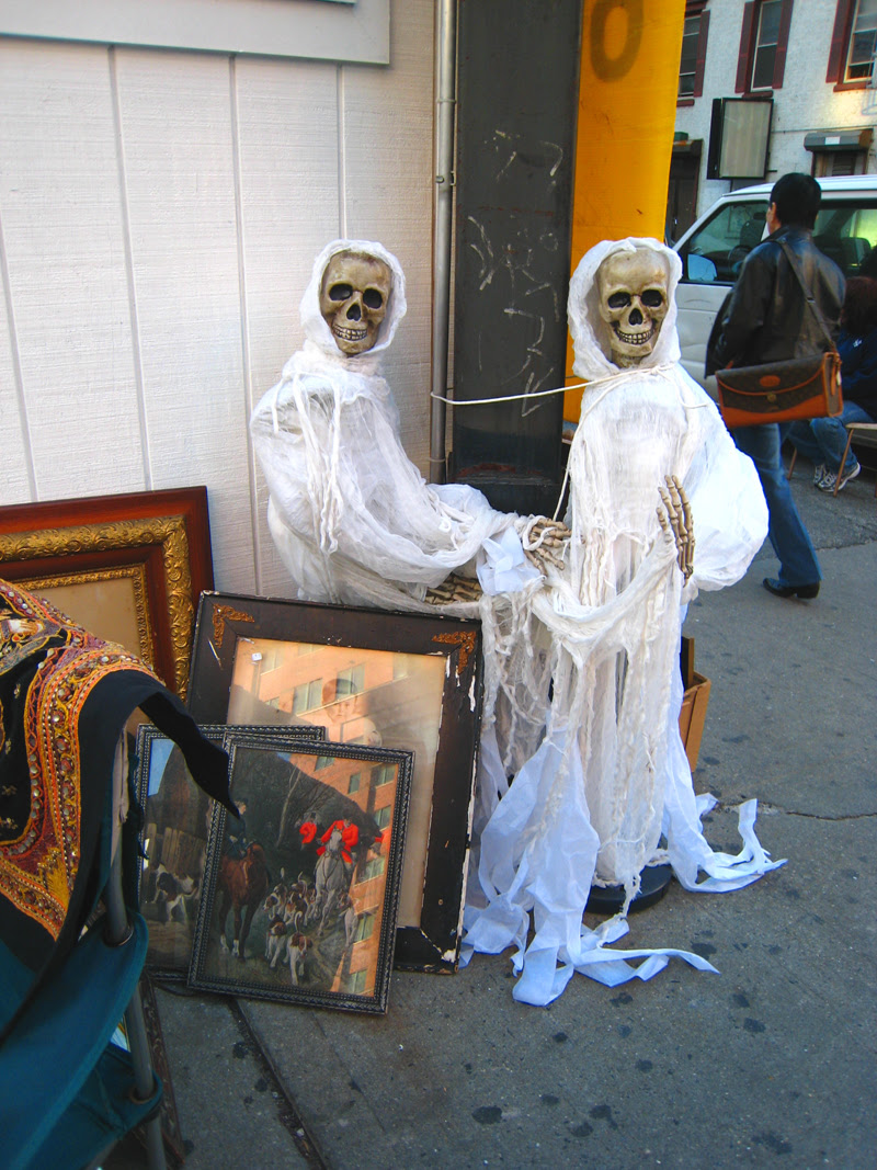 A Day at the Antiques Market
