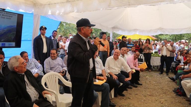 SABANETA: Presidente presenta un plan para reforestar 85 mil tareas