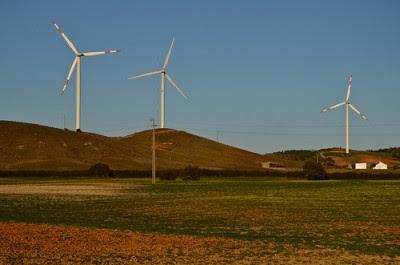 """""""O terceiro Manifesto por uma Nova Política Energética em Portugal é pouco mais do que um manifesto contra as energias renováveis."""" Foto de AiresAlmeida / Flickr"""