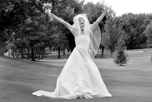 WED BRIDE ARMS