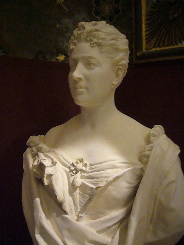 PB sala degli specchi busto della principessa Brancaccio (Gai 1909) 1260838.JPG