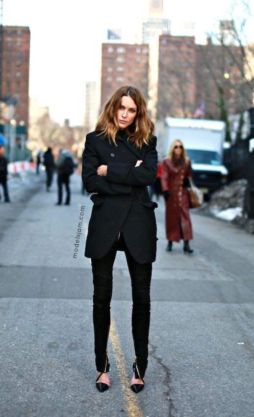 LE FASHION BLOG MODEL OFF DUTY STREET STYLE ERIN WASSON ALL BLACK EVERYTHING VIA MODELS JAM SHORT WAVY OMBRE HIGHLIGHTS HAIR BLACK ON BLACK LOOK WINTER LOOK BLACK PEA COAT BUTTON FRONT COAT SKINNY BLACK JEANS GOLD ANKLE ZIPPERS STRAPPY POINT TOE HEELS PUMPS NEW YORK CITY STREET STYLE photo LEFASHIONBLOGMODELOFFDUTYSTREETSTYLEERINWASSONALLBLACKEVERYTHINGVIAMODELSJAM.jpg