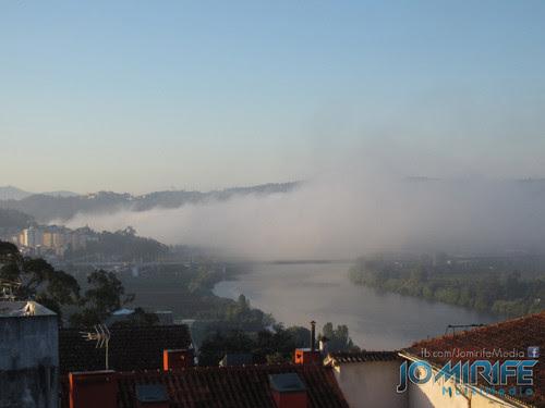Ponte Rainha Santa Isabel Ponte Europa em Coimbra com nevoeiro visto da Universidade de Coimbra [en] Rainha Santa Isabel Bridge Europe bridge in Coimbra with fog seen at the University of Coimbra