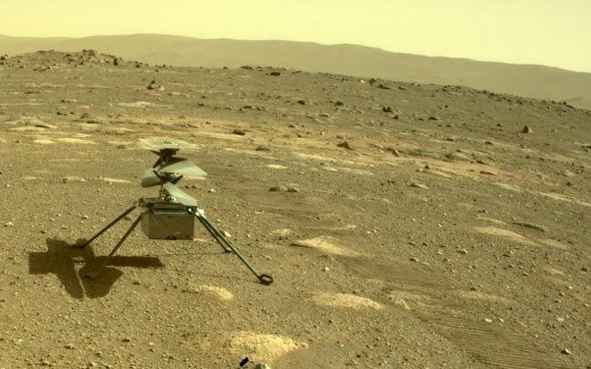 Марсианский вертолет Ingenuity совершил свой первый исторический полет