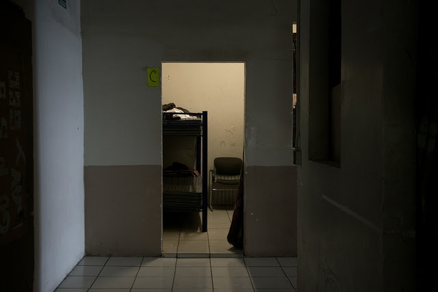A room in the Hotel del Migrante, the best known hostel to welcome migrants in Mexicali, capital of the northwest Mexican state of Baja California, next to the Caxelico border crossing into the United States. It has been one of the shelters serving Haitians since 2016. Credit: Ximena Natera / IPS