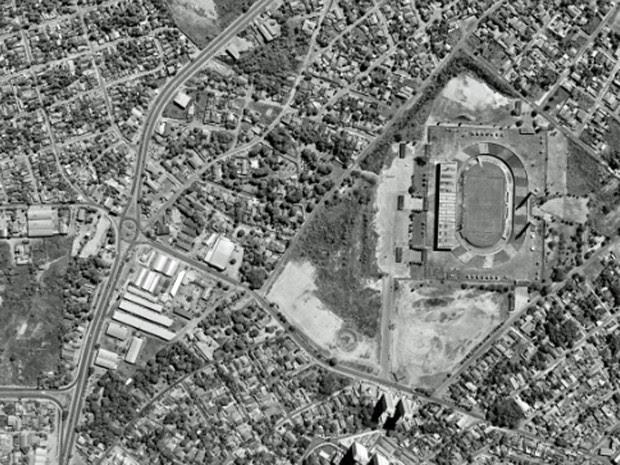 Estádio Pantanal, Cuiabá, em foto feita em 1996 (Foto: Base Aerofotogrametria)