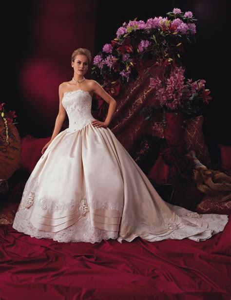 my wedding dress. again. (I hate this gaudy background