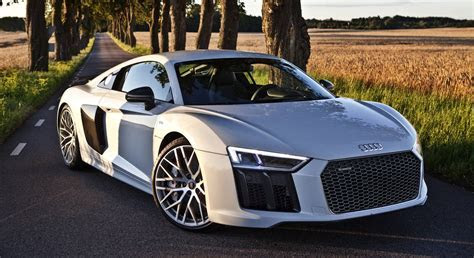 2017 Audi R8 V10 Plus in Suzuka Grey
