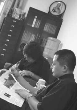 Dom Giuseppe Xing durante a entrevista