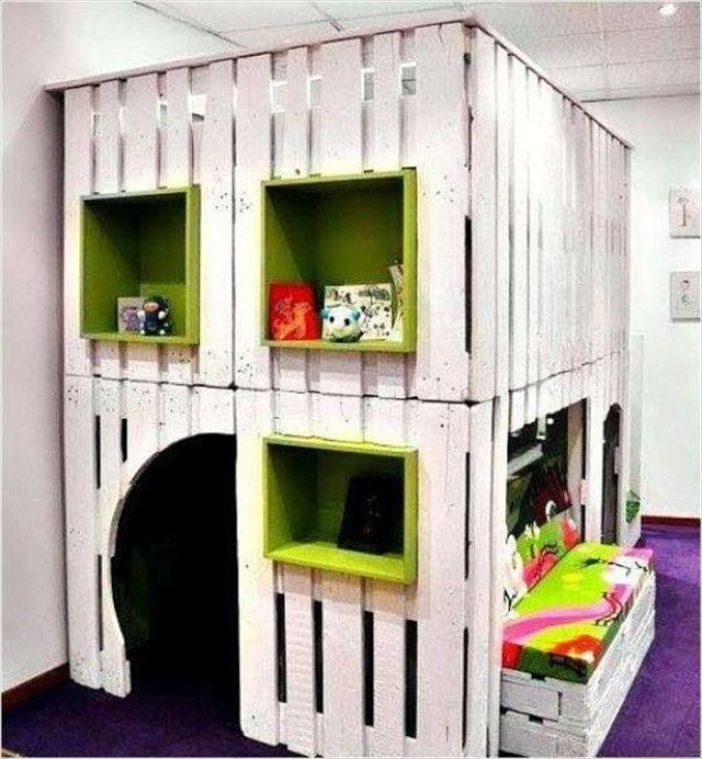 DIY pallet playhouse