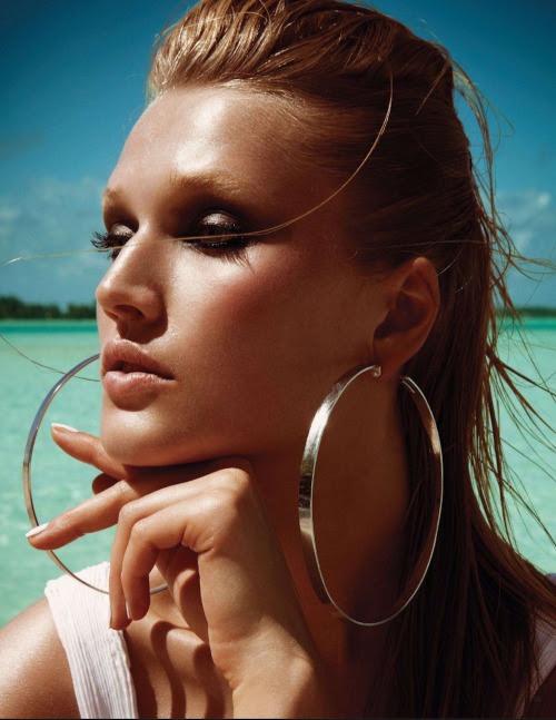 labellefabuleuse:  Toni Garrn photographed by Francois Nars for Vogue Japan, August 2012
