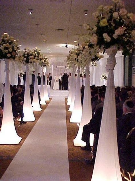 Unique Aisleway   Fabulous Weddings   Pinterest   Unique