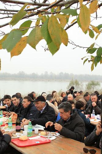 Si mangia sulla riva del Po