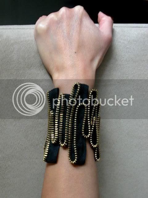 The Heart Beat Zipper Bracelet