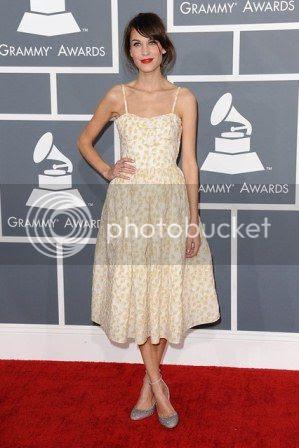 Grammys 2013 Red Carpet Fashion Styles photo Grammys-2013-alexa-chung_zpsedd48495.jpg