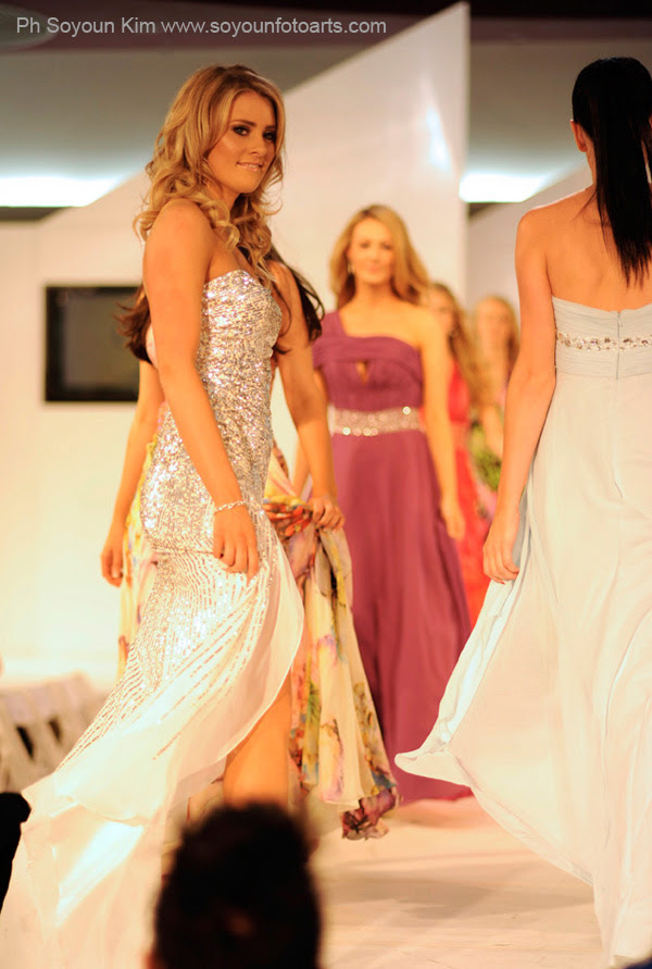 Miss Universe Australia 2012 Beauty Pageant - Ball Gowns Blond Contestant  M_600MissUsBeauty31